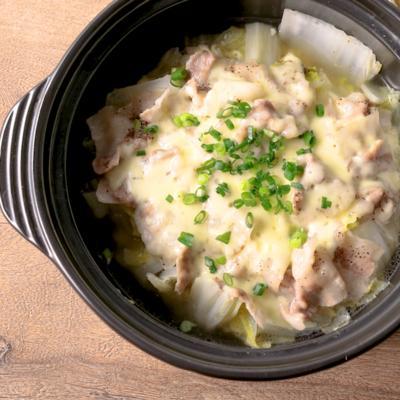 とろーりチーズの白菜と豚バラの節約水なし鍋