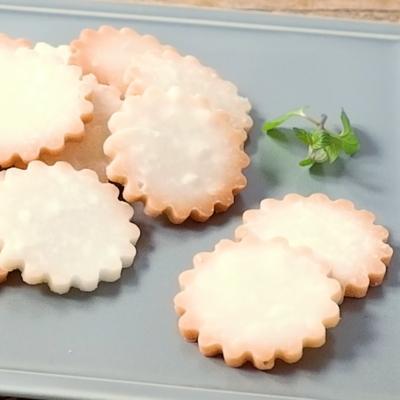ココナッツの型抜きクッキー