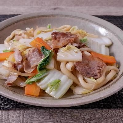 めんつゆで簡単 白菜と豚バラの焼きうどん