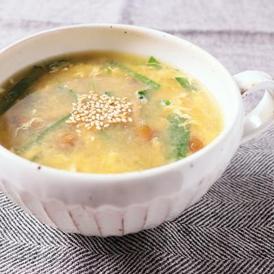 なめこと卵の中華風スープ