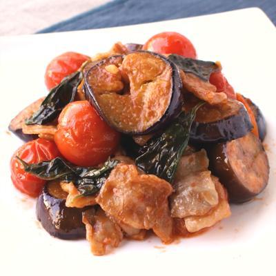 なすとトマトの洋風バジル肉炒め