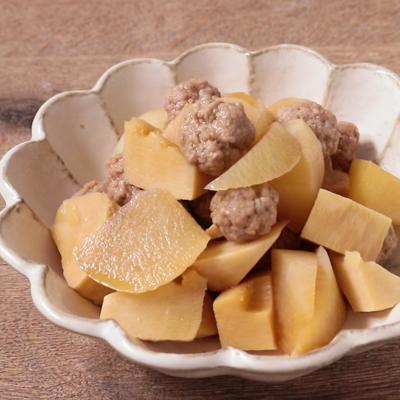 塩麹の手作り肉団子と大根の煮物