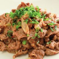 牛肉とネギのピリ辛炒め
