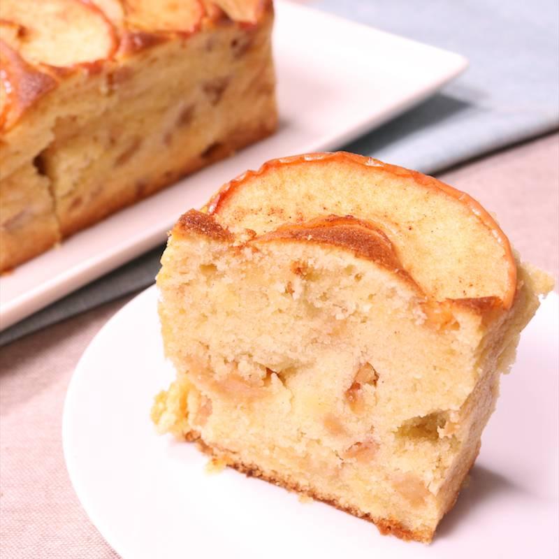 シナモン風味のりんごたっぷりパウンドケーキ
