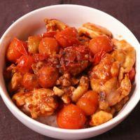 中華風!トマトと鶏肉のピリ辛丼