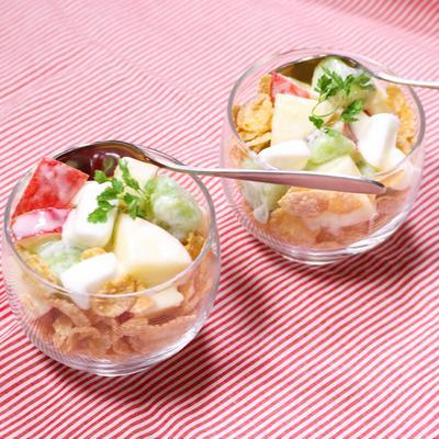 楽しい食感 マシュマロでフルーツサラダ