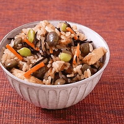 枝豆とひじきの炊き込みごはん