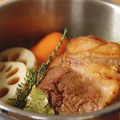 豚肉と秋野菜のブレゼ ハニーマスタードソース