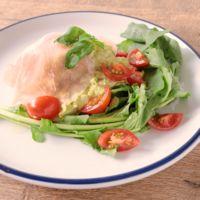 アボカドと卵のタルタルサラダ