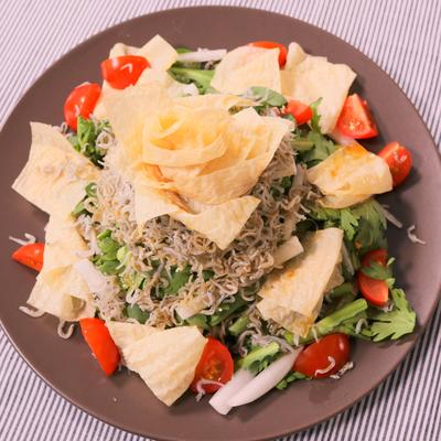 京風!春菊と湯葉のサラダ