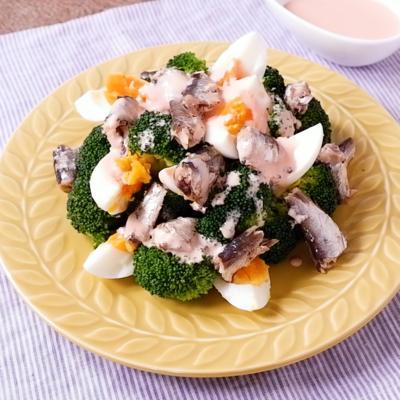 オイルサーディンとブロッコリーのサラダ