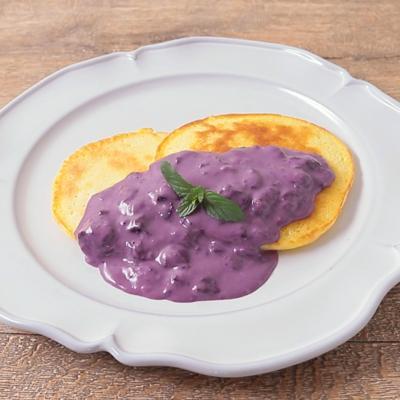 ブルーベリーチーズソースで食べる もちもちホットケーキ