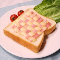 ベーコンとチーズのあみあみトースト