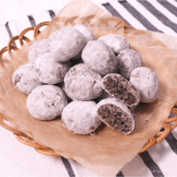 ホロホロザクザク、ココアクッキーで作るスノーボール
