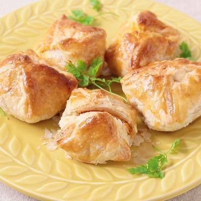 市販の唐揚げで ピリ辛タレのパイ包み