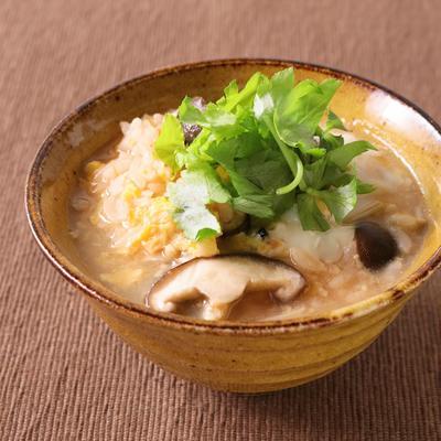 鮭フレークで簡単 きのこ雑炊