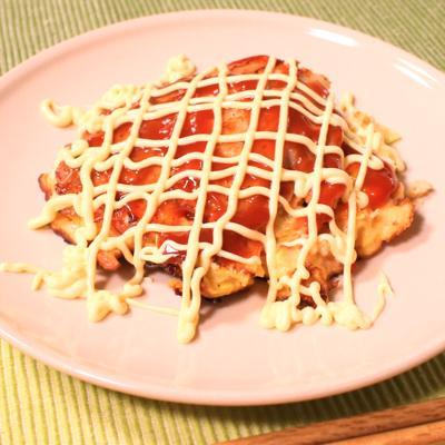 トマトとチーズで洋風お好み焼き
