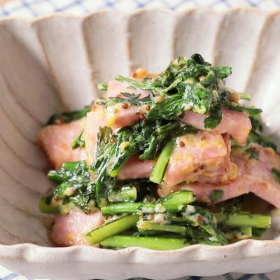春菊とベーコンの粒マスタード炒め