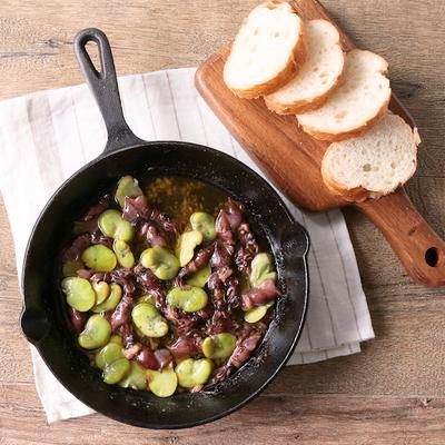 ホタルイカとそら豆のアヒージョ