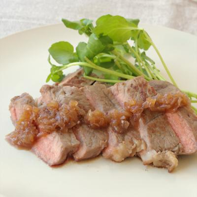 簡単玉ねぎソースで食べる ステーキ