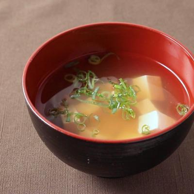 顆粒だしでお手軽 豆腐のすまし汁