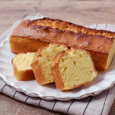 ブルーチーズとアーモンドのケーキ