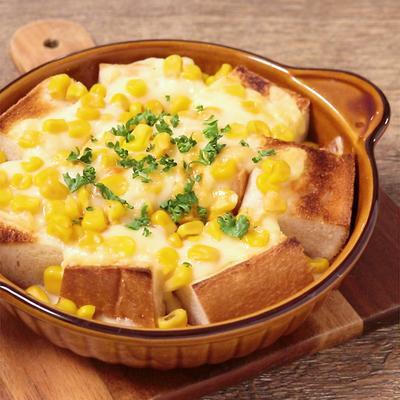 朝ごはんに とろーりチーズのトマトパンプディング