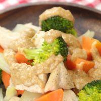 鶏むね肉と彩野菜のレンジ蒸し