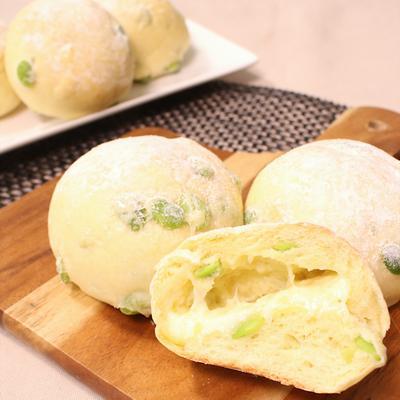 熱々ふかふか 枝豆チーズのお惣菜パン