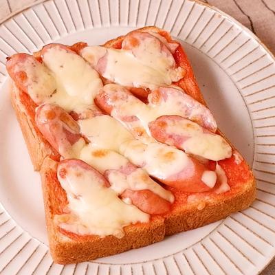 材料4つで ピザ風ウインナートースト