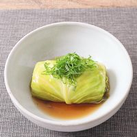 タイの塩昆布風味ロールキャベツ