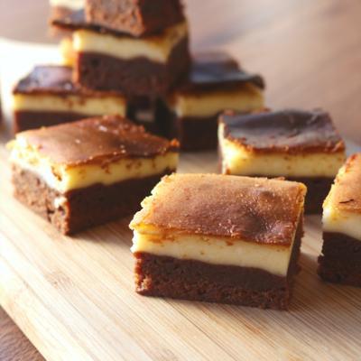 一口で二つの味 魅惑のチーズケーキブラウニー