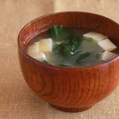ほうれん草とお豆腐のお味噌汁