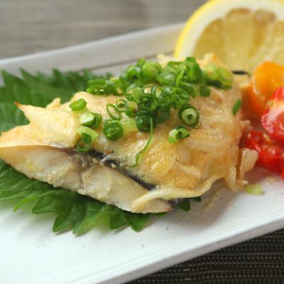 簡単で美味しい 塩サバの味噌マヨ焼き