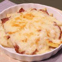 熱々が美味しい!タケノコとコンビーフのチーズ焼