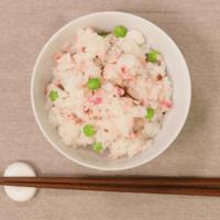 ピンク色!桜の花の塩漬けで混ぜご飯