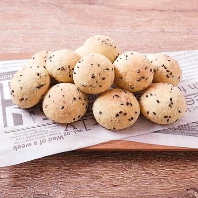 白玉粉で作る 黒ごまポンデケージョ