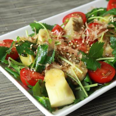 さっぱりおいしい 焼きナスと三つ葉の和風サラダ