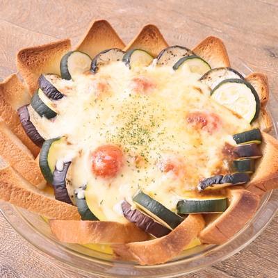 キーマカレーでチーズとろとろパンキッシュ
