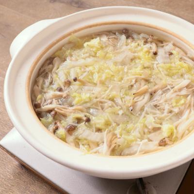 たっぷり白菜ときのこを巻いて食べるしゃぶしゃぶ