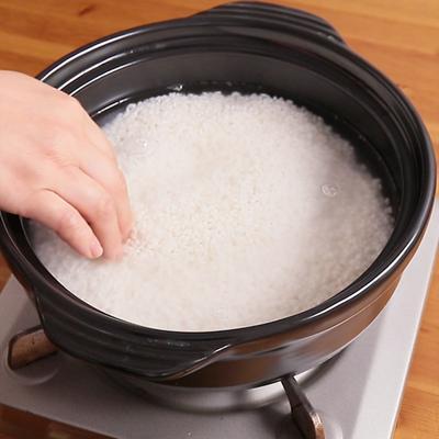 土鍋でご飯を炊く