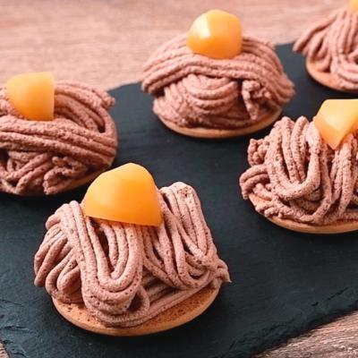 栗の甘露煮入りチョコレートモンブラン