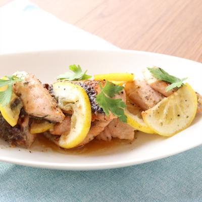 秋鮭とレモンのシンプル炒め