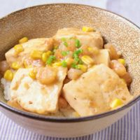 豆腐とエビのうま煮丼