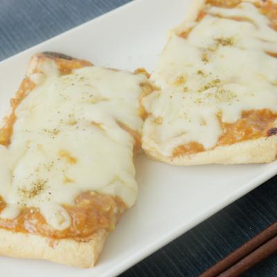 簡単おつまみ 山椒の香る油揚げのねぎ味噌チーズ焼き