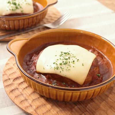 キャベツでカサ増し ふわふわ煮込みチーズハンバーグ