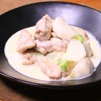 昆布茶が決め手!鶏肉とカブのクリーム煮