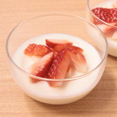 濃厚ぷるるん 練乳ヨーグルトゼリー