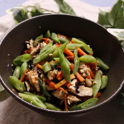 ひじきと野菜たっぷり炒り豆腐