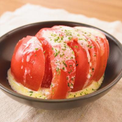 トマトのヨーグルトソースがけサラダ